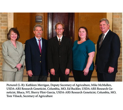 Dr. Michael D. McMullen and Dr. Sherry Flint-Garcia, USDA Research Geneticists and members of the Interdisciplinary Plant Group at the University of Missouri, were awarded the USDA Secretary's Honor Award for Excellence <br><br><a href=http://ipg.missouri.edu/feature-stories/USDARese_11032012.cfm>READ MORE>></a>